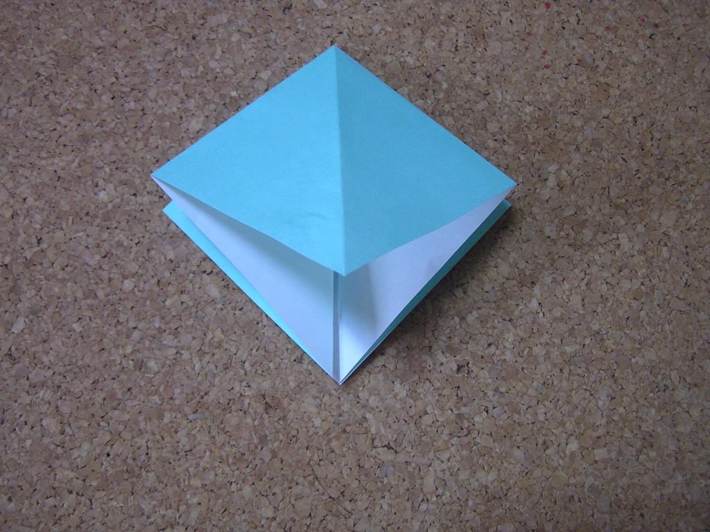 つのこう箱